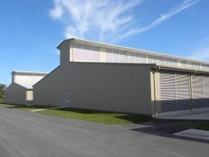 Budynki Yahoo data center w Lockport przypominające kurzą fermę